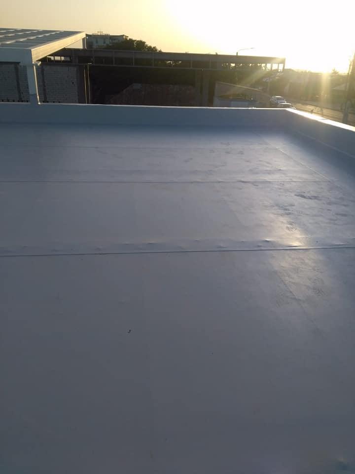 Hidroizolatie acoperiș cu membrana PVC Sikaplan 15 G și scurgeri Sika SDrain – SOCAR Craiova (10)