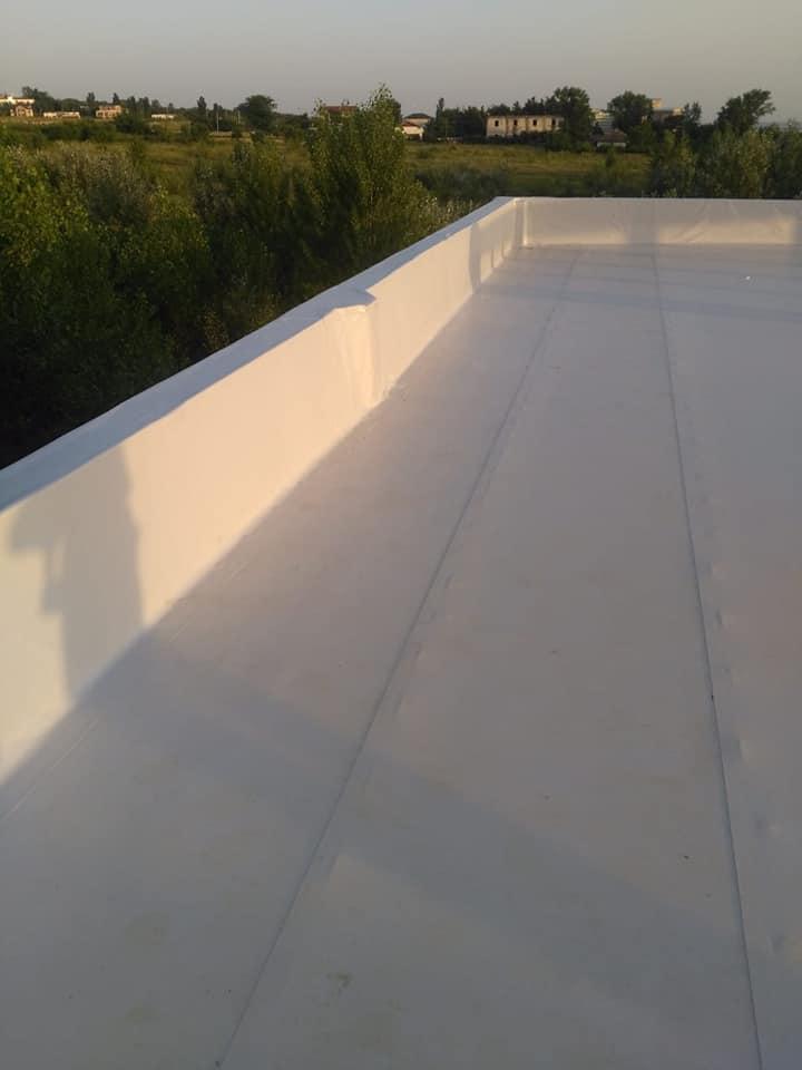 Hidroizolatie acoperiș cu membrana PVC Sikaplan 15 G și scurgeri Sika SDrain – SOCAR Craiova (16)
