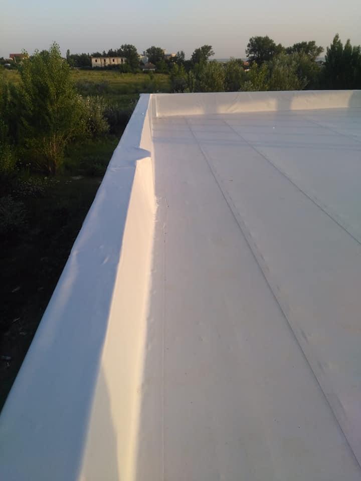 Hidroizolatie acoperiș cu membrana PVC Sikaplan 15 G și scurgeri Sika SDrain – SOCAR Craiova (2)