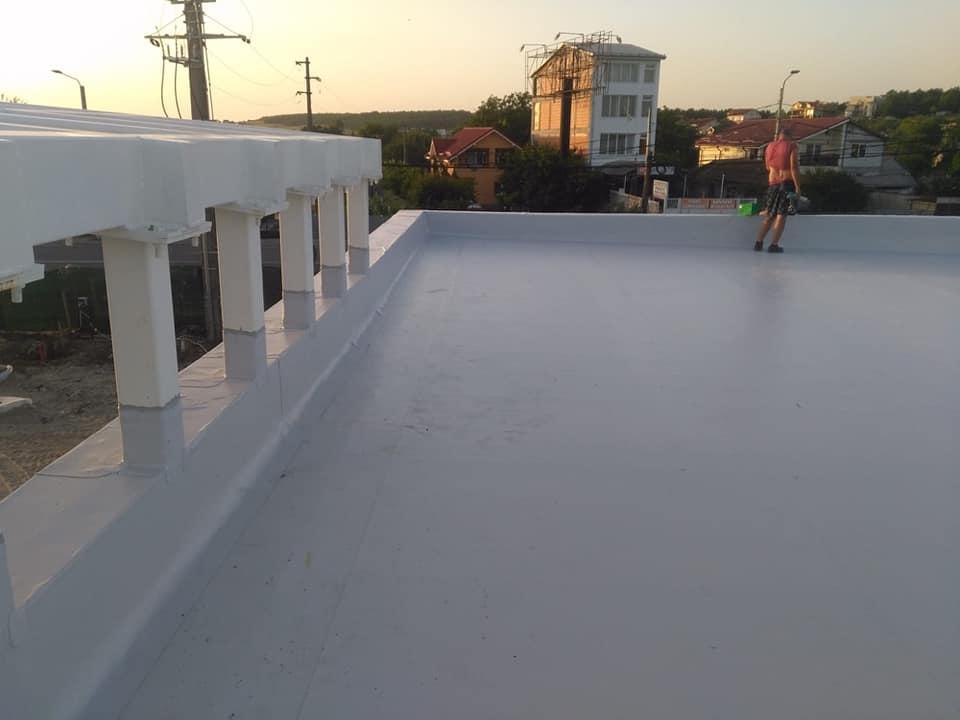 Hidroizolatie acoperiș cu membrana PVC Sikaplan 15 G și scurgeri Sika SDrain – SOCAR Craiova (4)