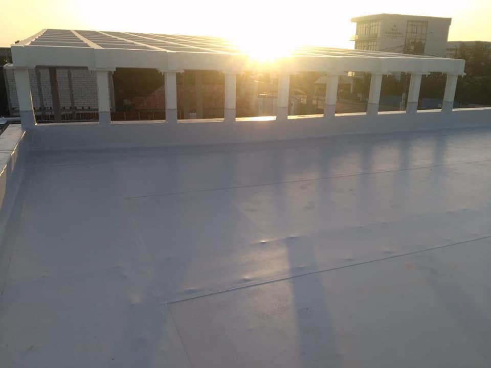Hidroizolatie acoperiș cu membrana PVC Sikaplan 15 G și scurgeri Sika SDrain – SOCAR Craiova (9)