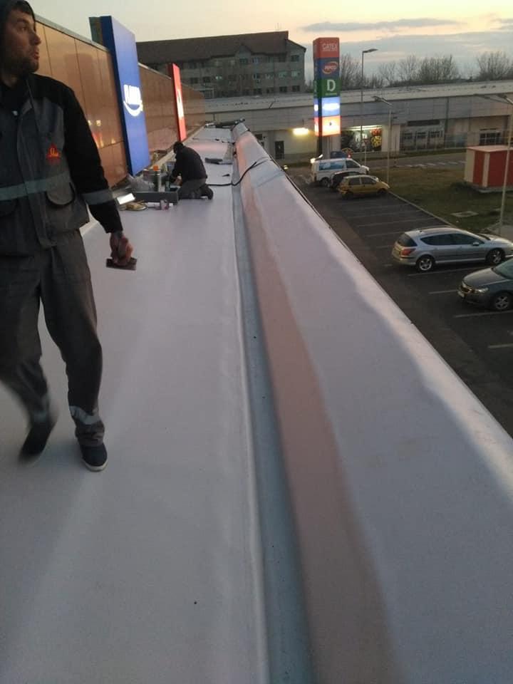 Montaj osb peste panouri sw și execuție hidroizolație cu membrana PVC 1.5 COSMOFIN GGPLUS ICOPAL 1900 mp – Galerie comerciala CATEX Calarasi 15