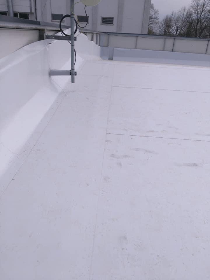 Montaj osb peste panouri sw și execuție hidroizolație cu membrana PVC 1.5 COSMOFIN GGPLUS ICOPAL 1900 mp – Galerie comerciala CATEX Calarasi 21