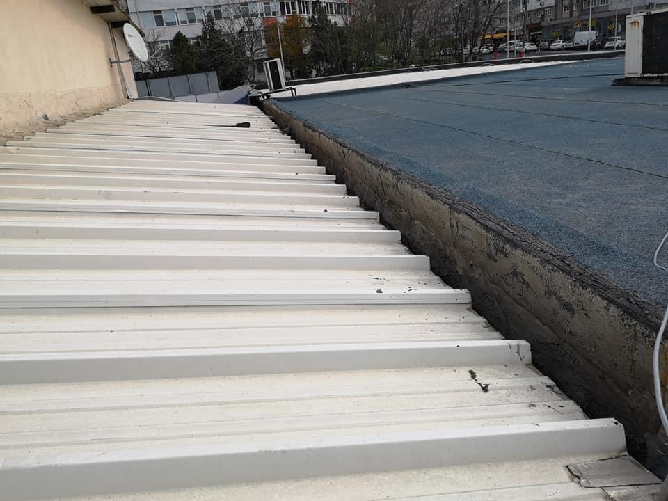 Reparatie acoperiș cu montaj de osb, contrapanta din vata și execuție hidroizolație acoperiș cu membrana PVC Sikaplan 15 G Rompetrol Galati (11)