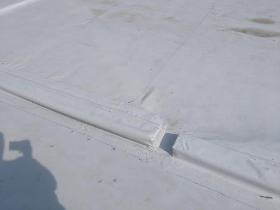 Reparatie acoperiș cu montaj de osb, contrapanta din vata și execuție hidroizolație acoperiș cu membrana PVC Sikaplan 15 G Rompetrol Galati (14)