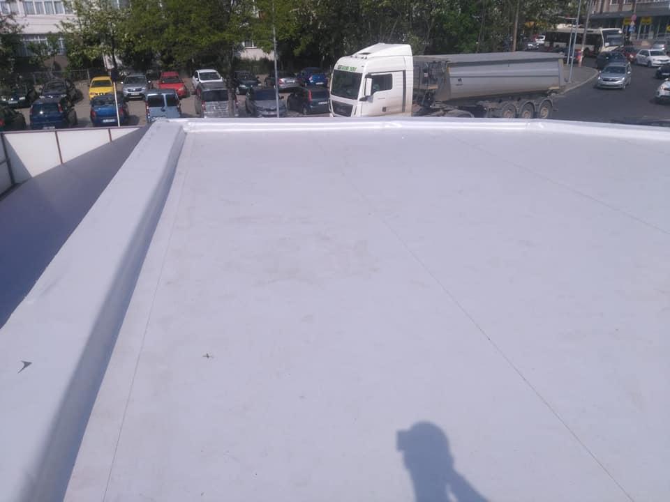 Reparatie acoperiș cu montaj de osb, contrapanta din vata și execuție hidroizolație acoperiș cu membrana PVC Sikaplan 15 G Rompetrol Galati (16)