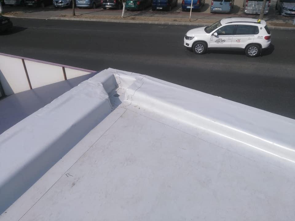 Reparatie acoperiș cu montaj de osb, contrapanta din vata și execuție hidroizolație acoperiș cu membrana PVC Sikaplan 15 G Rompetrol Galati (17)