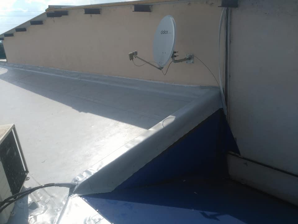 Reparatie acoperiș cu montaj de osb, contrapanta din vata și execuție hidroizolație acoperiș cu membrana PVC Sikaplan 15 G Rompetrol Galati (19)