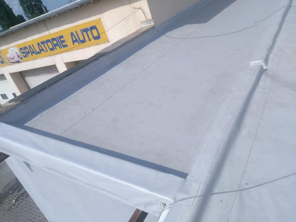Reparatie acoperiș cu montaj de osb, contrapanta din vata și execuție hidroizolație acoperiș cu membrana PVC Sikaplan 15 G Rompetrol Galati (21)