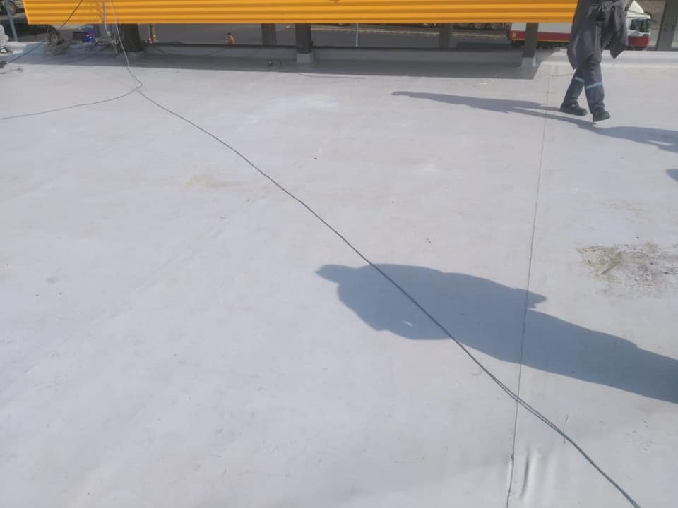 Reparatie acoperiș cu montaj de osb, contrapanta din vata și execuție hidroizolație acoperiș cu membrana PVC Sikaplan 15 G Rompetrol Galati (27)