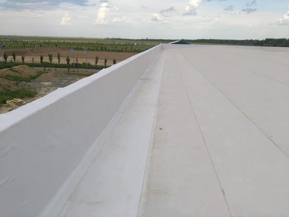 Tabla cutata, termosistem vata minerala si hidroizolatie membrana PVC Sikaplan 15 G- 1900 mp – Supeco Slobozia (10)