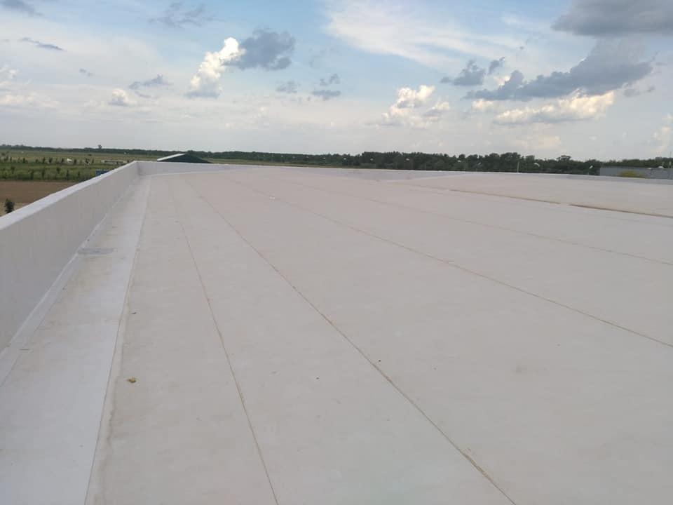 Tabla cutata, termosistem vata minerala si hidroizolatie membrana PVC Sikaplan 15 G- 1900 mp – Supeco Slobozia (14)