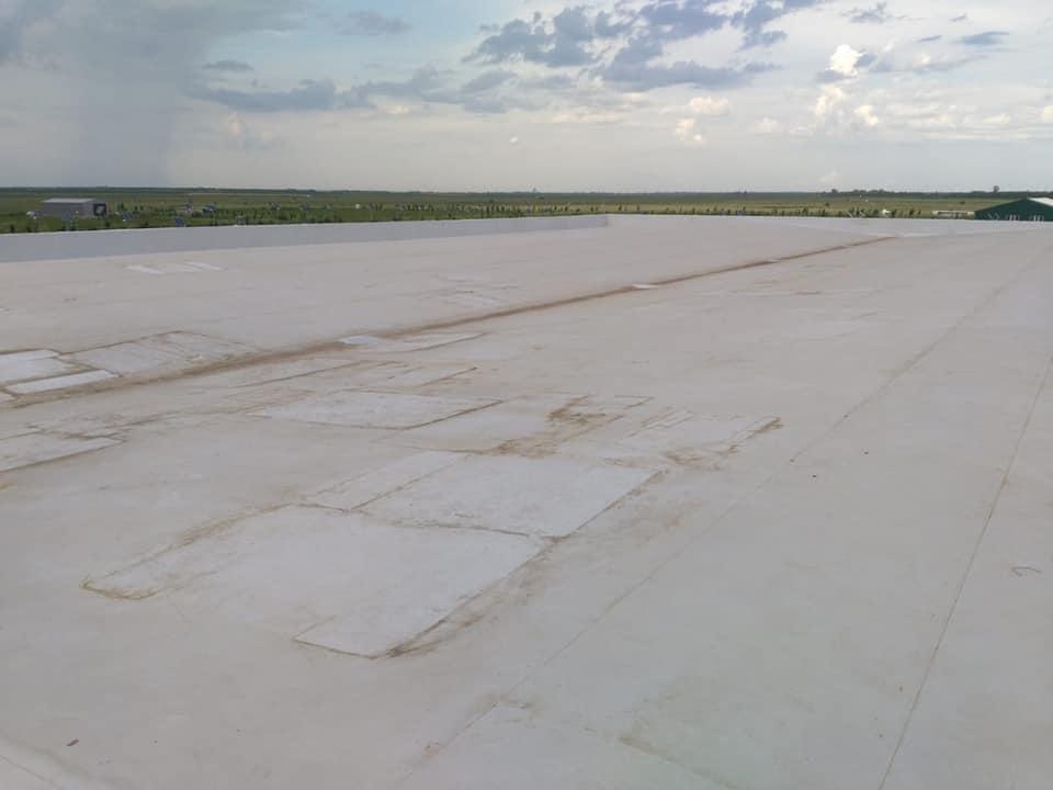 Tabla cutata, termosistem vata minerala si hidroizolatie membrana PVC Sikaplan 15 G- 1900 mp – Supeco Slobozia (20)