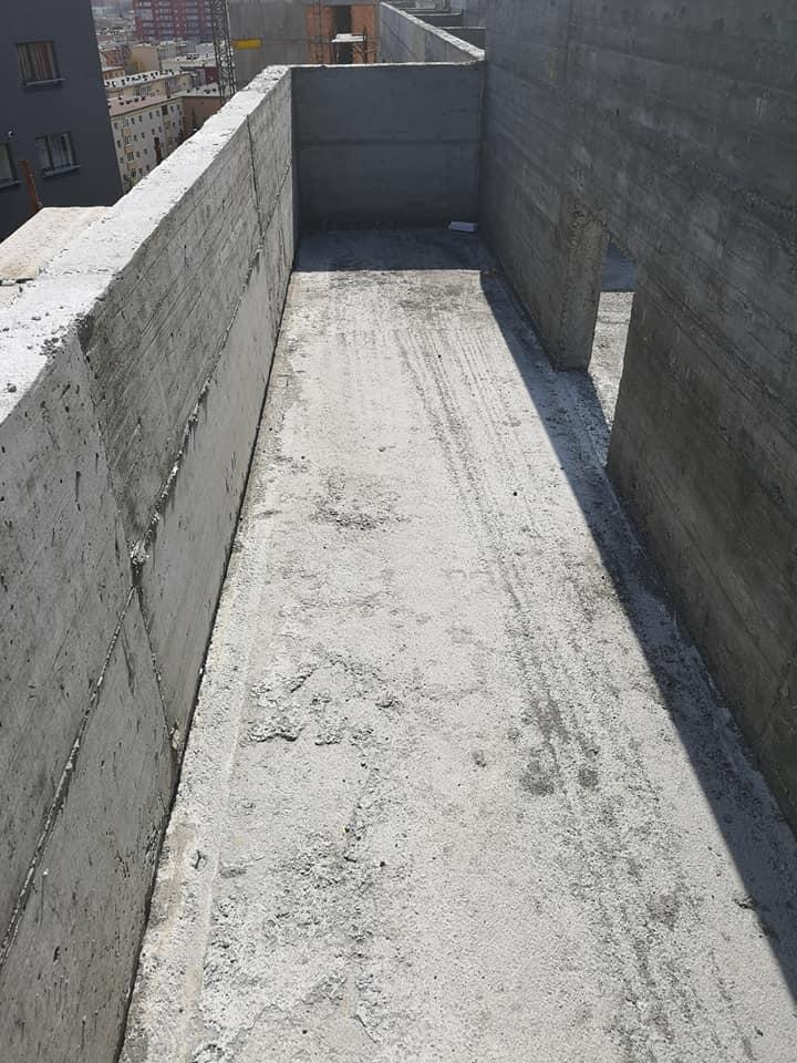 Termosistem vata minerala si hidroizolatie membrana PVC Sikaplan 15 G – 1450 mp cu covor de trafic Sikaplan Walkway, sistem de scurgeri Geberit, sistem de ventilații – Terasa bloc Magnolia Br ( (19)