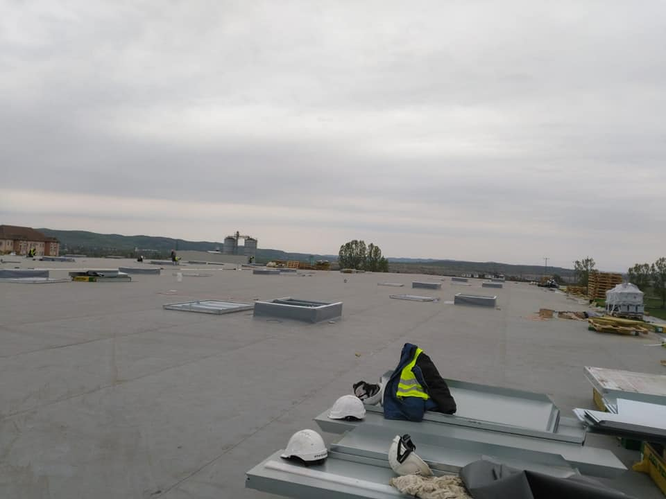 Trape de fum Icopal Awak 1400 x 2000 mm – 41 buc și execuție traseu de cupru ICCO Rovinari 2